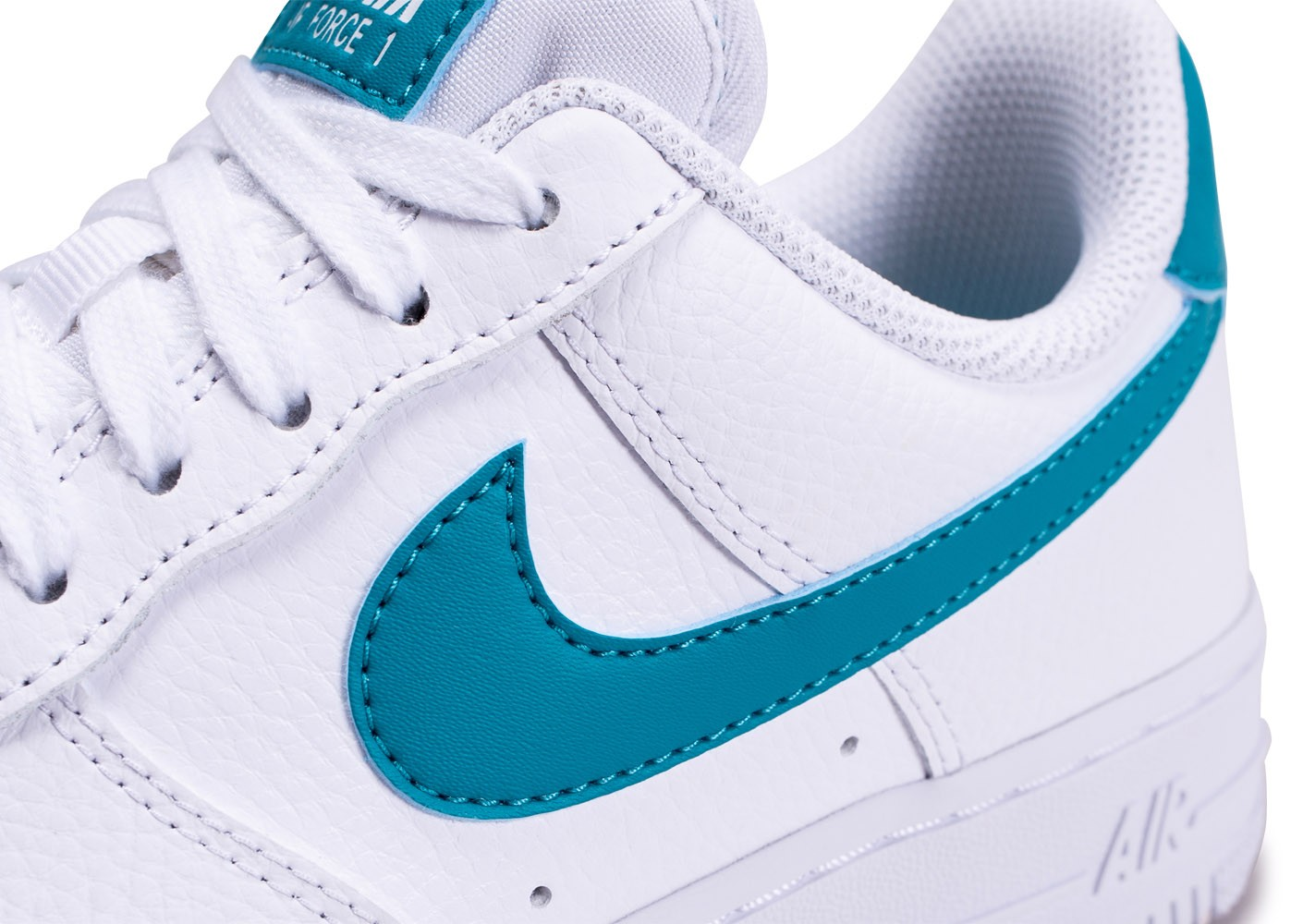 Nike Air Force 1'07 blanche bleue or femme - Chaussures ...