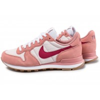 Internationalist W rose