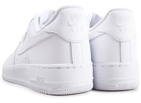 Chaussures Nike Air Force 1 Blanche vue dessous