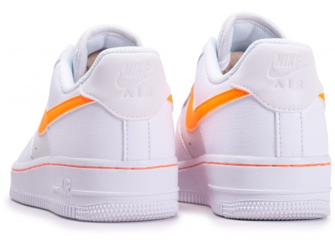 Chaussures Nike Air Force One Blanche et Orange vue dessous