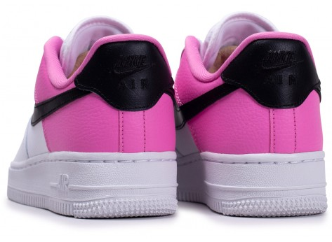 Chaussures Nike Air Force 1'07 blanc rose femme vue dessous