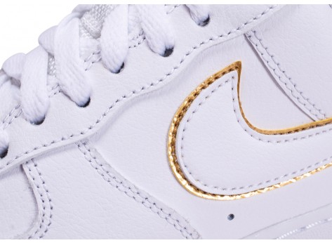 Chaussures Nike Air Force 1'07 Essential blanche et or femme vue dessus