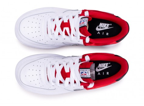 Chaussures Nike Air Force 1 LV8 rouge NBA junior vue arrière