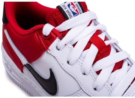 Chaussures Nike Air Force 1 LV8 rouge NBA junior vue dessus