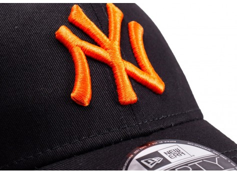 Casquettes New Era Casquette 9/40 League Essential NY noire et orange
