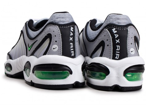 Chaussures Nike Air Max Tailwind IV gris vert vue dessous