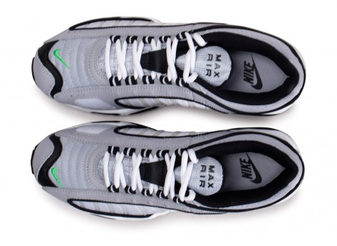 Chaussures Nike Air Max Tailwind IV gris vert vue arrière