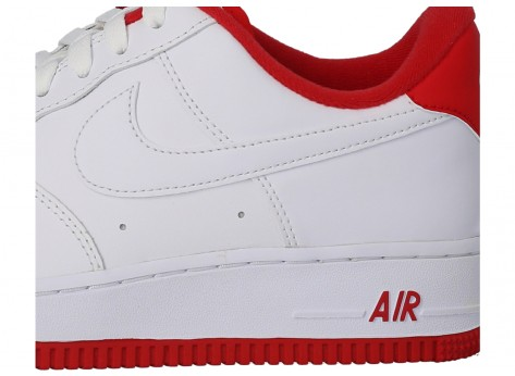 Chaussures Nike Air Force 1'07 blanc rouge vue dessous