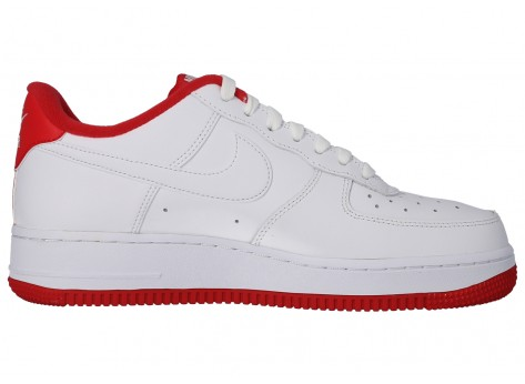 Chaussures Nike Air Force 1'07 blanc rouge vue arrière