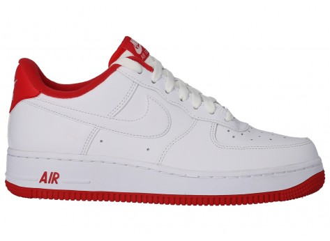 Chaussures Nike Air Force 1'07 blanc rouge vue dessus