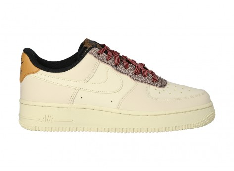 Chaussures Nike Air Force 1 07 LV8 FOSSIL vue extérieure