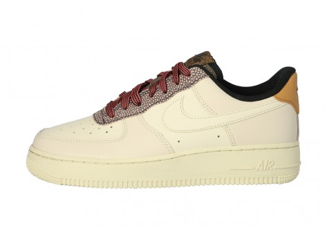 Chaussures Nike Air Force 1 07 LV8 FOSSIL vue dessus
