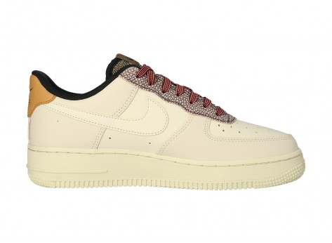 Chaussures Nike Air Force 1 07 LV8 FOSSIL vue intérieure