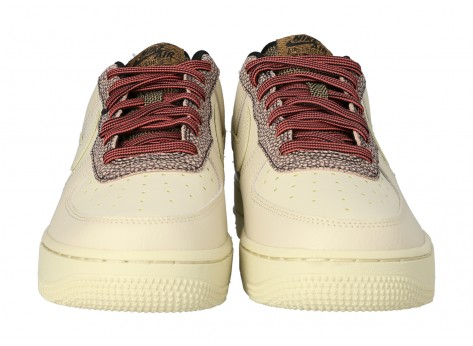 Chaussures Nike Air Force 1 07 LV8 FOSSIL vue dessous