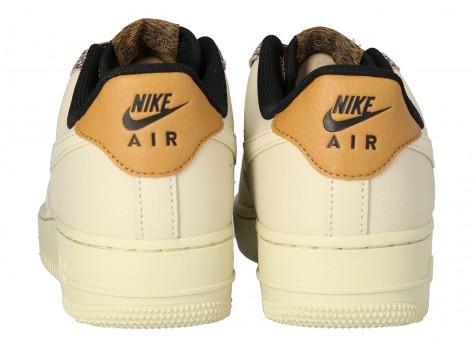 Chaussures Nike Air Force 1 07 LV8 FOSSIL vue arrière