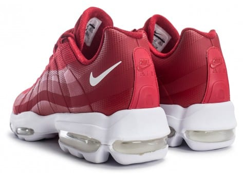 super popular 9a4a7 217e5 ... Chaussures Nike Air Max 95 Ultra Se rouge vue dessous ...