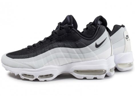 Chaussures Baskets Nike homme Air Max 95 Essential
