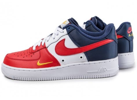 design intemporel 12e3a a71fc Nike Air Force 1 '07 LV8 Mini-Swoosh bleu blanc rouge