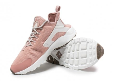 Chaussures Nike Air Huarache Run Ultra rose vue avant