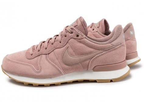 Nike Internationalist SE W rose Particle Pink