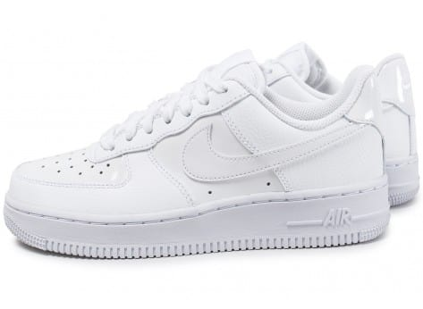photos officielles 95e3d eb1bf Nike Air Force 1 '07 W vernis blanche Patent