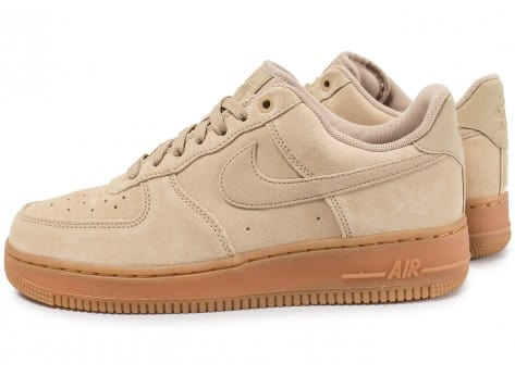 Conception innovante 84d2d 39df5 Nike Air Force 1 '07 LV8 beige