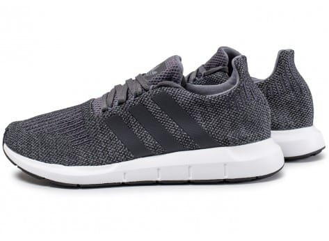 adidas Swift Run grise