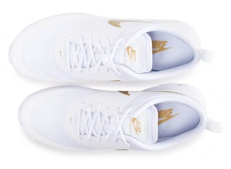 Chaussures Nike Air Max Thea blanche et or vue arrière