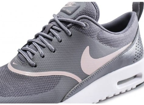 Chaussures Nike Air Max Thea grise et rose vue dessus