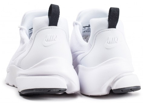 Chaussures Nike Presto Fly blanche vue dessous