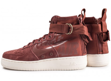 Chaussures Nike SF Air Force 1 Mid marron vue extérieure