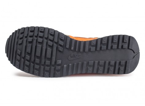 Chaussures Nike Air Vortex orange et kaki vue avant