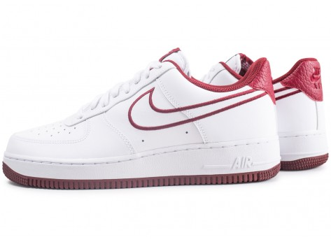 Chaussures Nike Nike Air Force 1 '07 Leather blanc et rouge vue extérieure