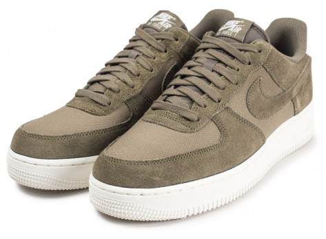 Chaussures Nike Air Force 1 '07 Suede kaki vue intérieure