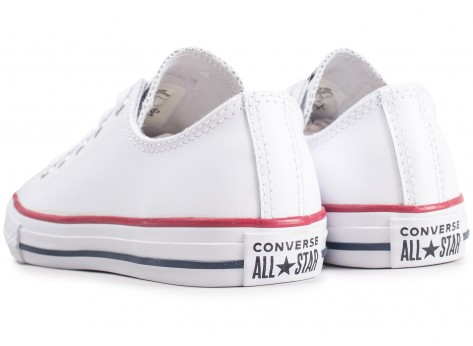 Chaussures Converse Chuck Taylor All Star Leather OX blanche enfant vue dessous