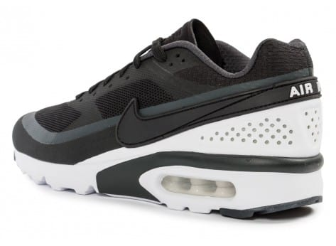 Chaussures Nike Air Max BW Ultra noire et blanche vue dessus