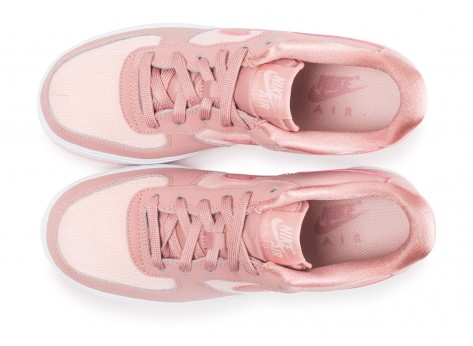 Chaussures Nike Air Force 1 LV8 rose junior vue arrière