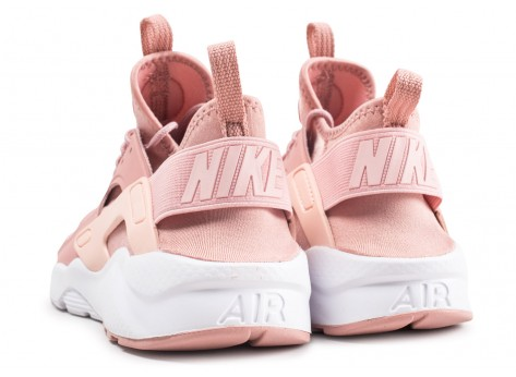 Chaussures Nike Air Huarache Run Ultra SE rose junior vue dessous