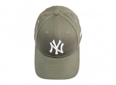 Casquettes New Era Casquette New York Yankees Essential 9Forty kaki