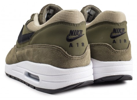 Chaussures Nike Air Max 1 olive femme vue dessous