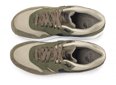 Chaussures Nike Air Max 1 olive femme vue arrière