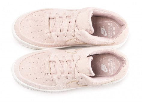 Chaussures Nike Air Force 1 Sage Low rose vue arrière