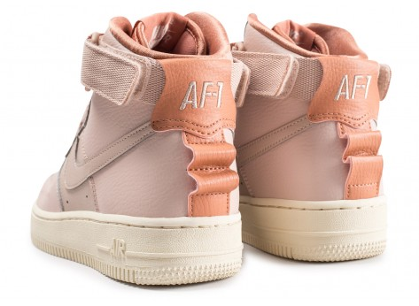 Chaussures Nike Nike Air Force 1 High Utility rose femme vue dessous