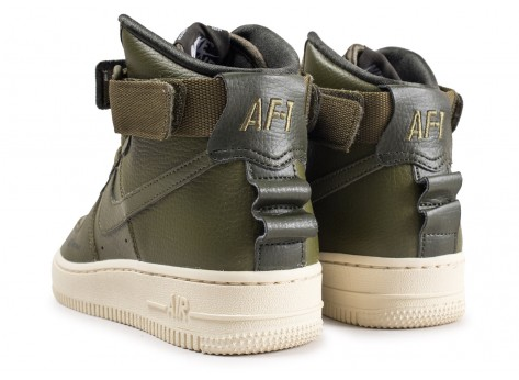 Chaussures Nike Air Force 1 High Utility Olive femme vue dessous