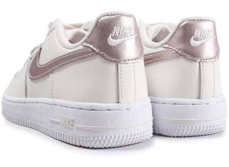 Chaussures Nike Air Force 1 Low blanc or rose enfant vue dessous