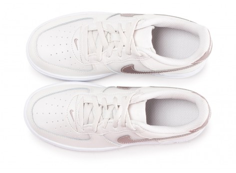 Chaussures Nike Air Force 1 Low blanc or rose enfant vue arrière