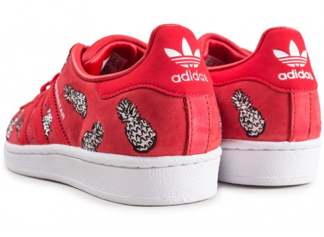 Chaussures adidas Superstar The Farm Company rouge femme vue dessous