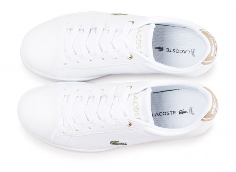 Chaussures Lacoste Carnaby Evo blanche et or junior vue arrière
