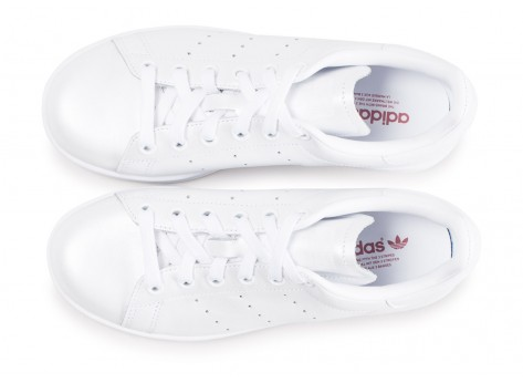 Chaussures adidas Stan Smith triple blanc shinny femme vue arrière