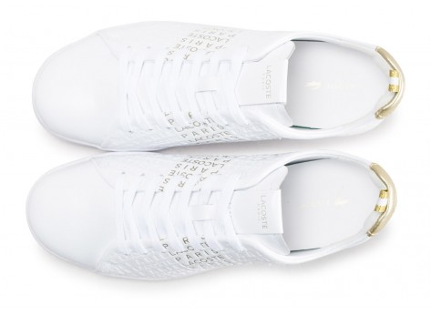 Chaussures Lacoste Carnaby Evo blanche et or  vue arrière
